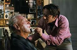 幫父親刮胡子時,需要一把怎樣的剃須刀?