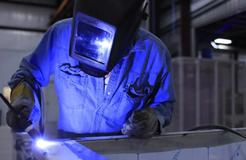 非形状、构造类技术特征不等同于方法特征和材料特征