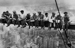 "Lewis Hine:一位摄影师的""摩登时代"""