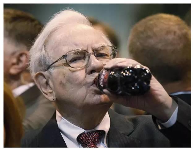 """为了让你掏钱,可口可乐向""""老干妈""""看齐,将一位87岁的大神请上包装"""