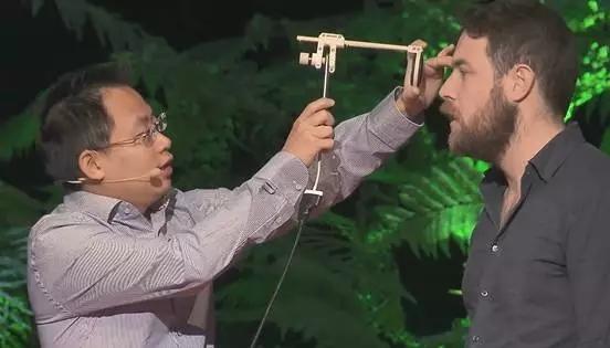 【科技情报】华人小伙发明的这个小玩意,或挽救千万人,苹果创始人都忍不住赞赏