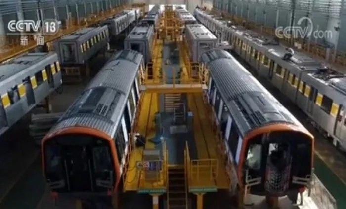厉害了!「中国制造」地铁将出口美国,首批列车下线