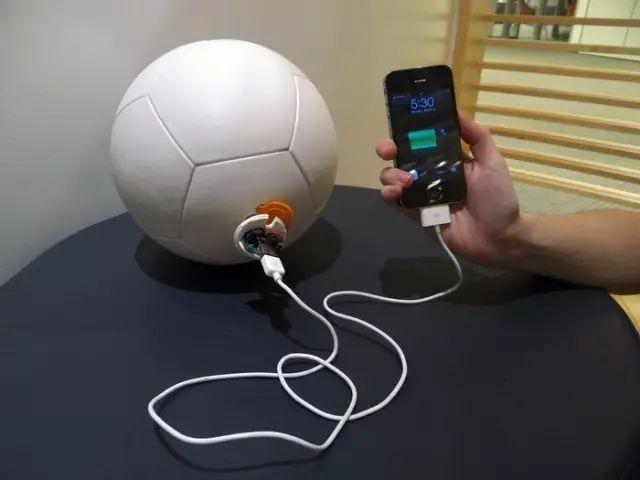 """""""足球充电宝"""",一款节能环保的高科技充电宝!"""
