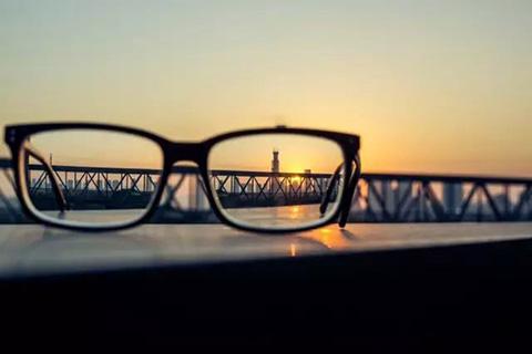 「一种智能近视眼理疗保健镜」无效宣告决定书