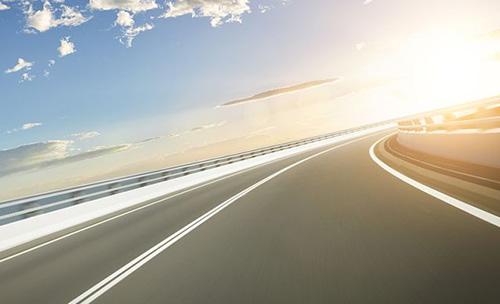 中国首条超级高速公路要来了!能边开车边充电,自动驾驶....