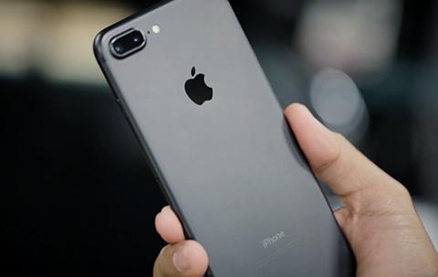 #晨报#苹果又被申请禁售!iphone7和ipad涉嫌侵犯专利权被诉;称被擅播《虎啸龙吟》、《湄公河行动》,优酷起诉索赔900万