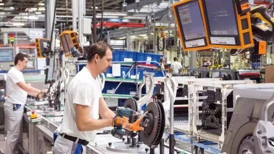 工业4.0的大众样本:3万台机器人,50秒造一辆车!