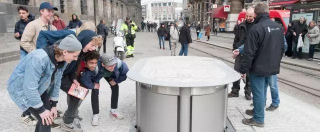 荷兰的公厕是从地上冒出来的,你还没见过吧?