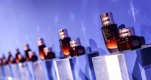 雅诗兰黛小棕瓶里的「专利秘密」