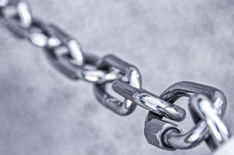 在专利全链条嵌入专利保险,构建全方位的专利防护体系