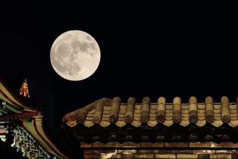 拍月亮火了!华为拍摄月亮专利却被驳回?