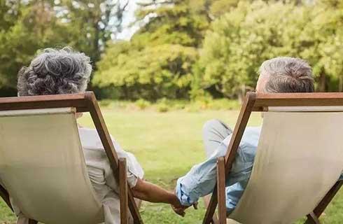 """养老展上的这些""""黑科技"""",让我一个年轻人开始憧憬老年生活了..."""